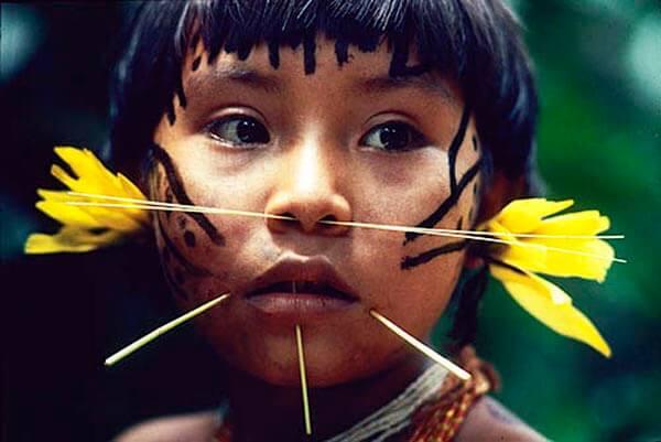 ubicados en territorio venezolano, en las riberas del Rio Orinoco y la Sierra de Parima al sur del estado Amazonas. Constituyen el grupo más numerosos de los indígenas Venezolanos.